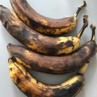 Banana & Chia Seed Cake