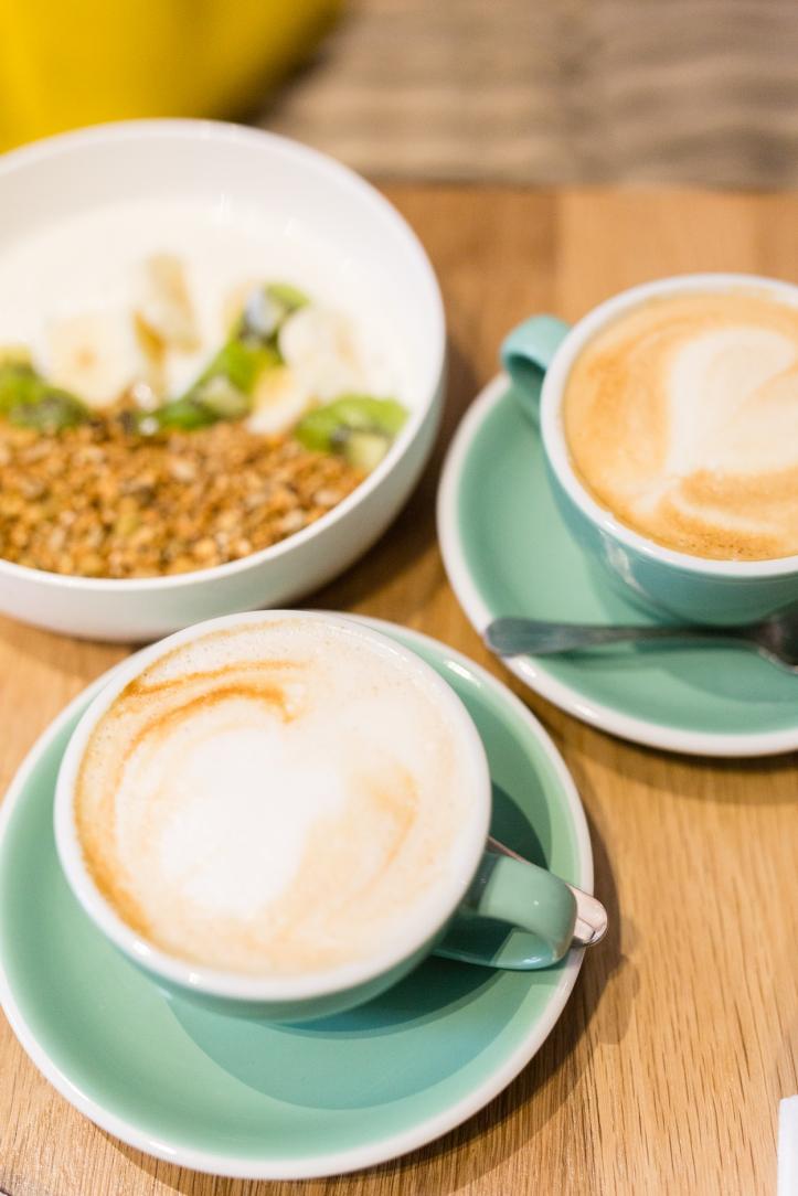 best-cafe-around-eiffel-tower-zia_001